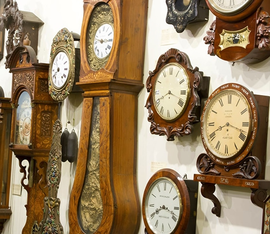 Specialist transportation of antique clocks and clock movements